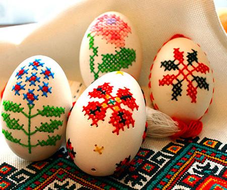 Huevos de Pascua en punto de cruz